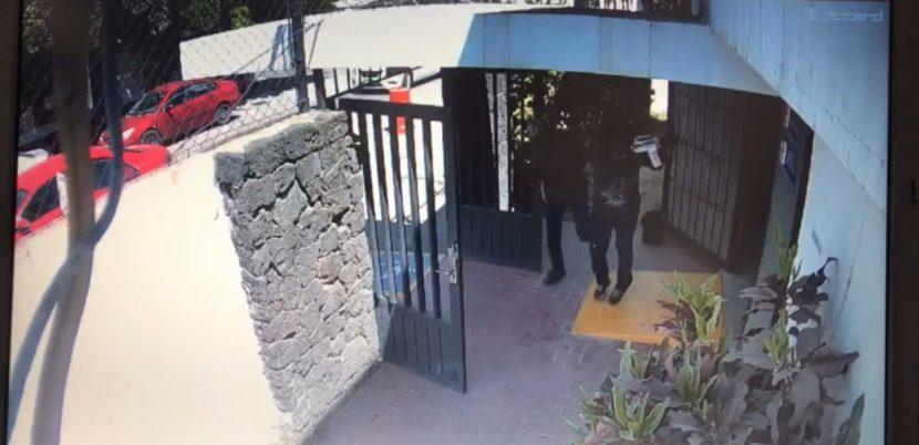 Video: Agentes repelieron el cobarde ataque a Agencia del MP en Irapuato, los agresores huyeron