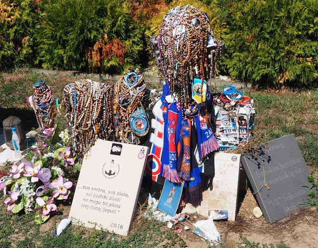 oost-slavonië, donau, OVCARA MEMORIAL, kroatische onafhankelijkheidsoorlog, bloedbad Vukovar, Kroatië, ocvara memorial, vukovar memorial, castle eltz, vucovar masacre, Joegoslavische burgeroorlog,