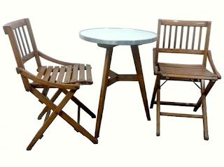 Gambar Meja dan kursi cafe bergaya klasik
