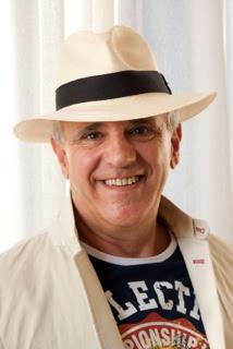 Manuel Salinas, poeta invitado, Ancile