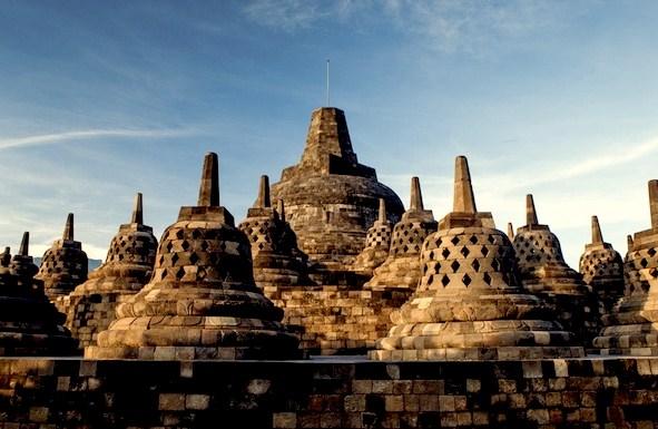 Ciri dan Bentuk Peninggalan Sejarah di Indonesia