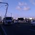 Parte da pista local bloqueada para reparos em poste na BR-101 altura do posto Planalto