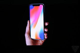 ARRIVA iPHONE X: DIECI ANNI DI SMARTPHONE CON LA MELA