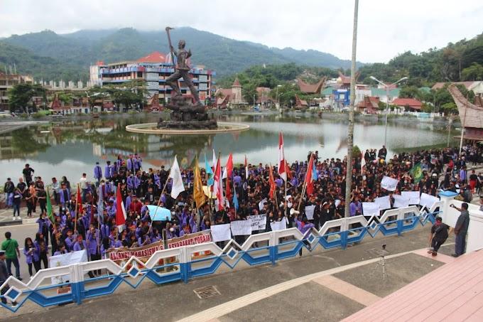 Bupati Tana Toraja Resmi Menolak Wisata Halal