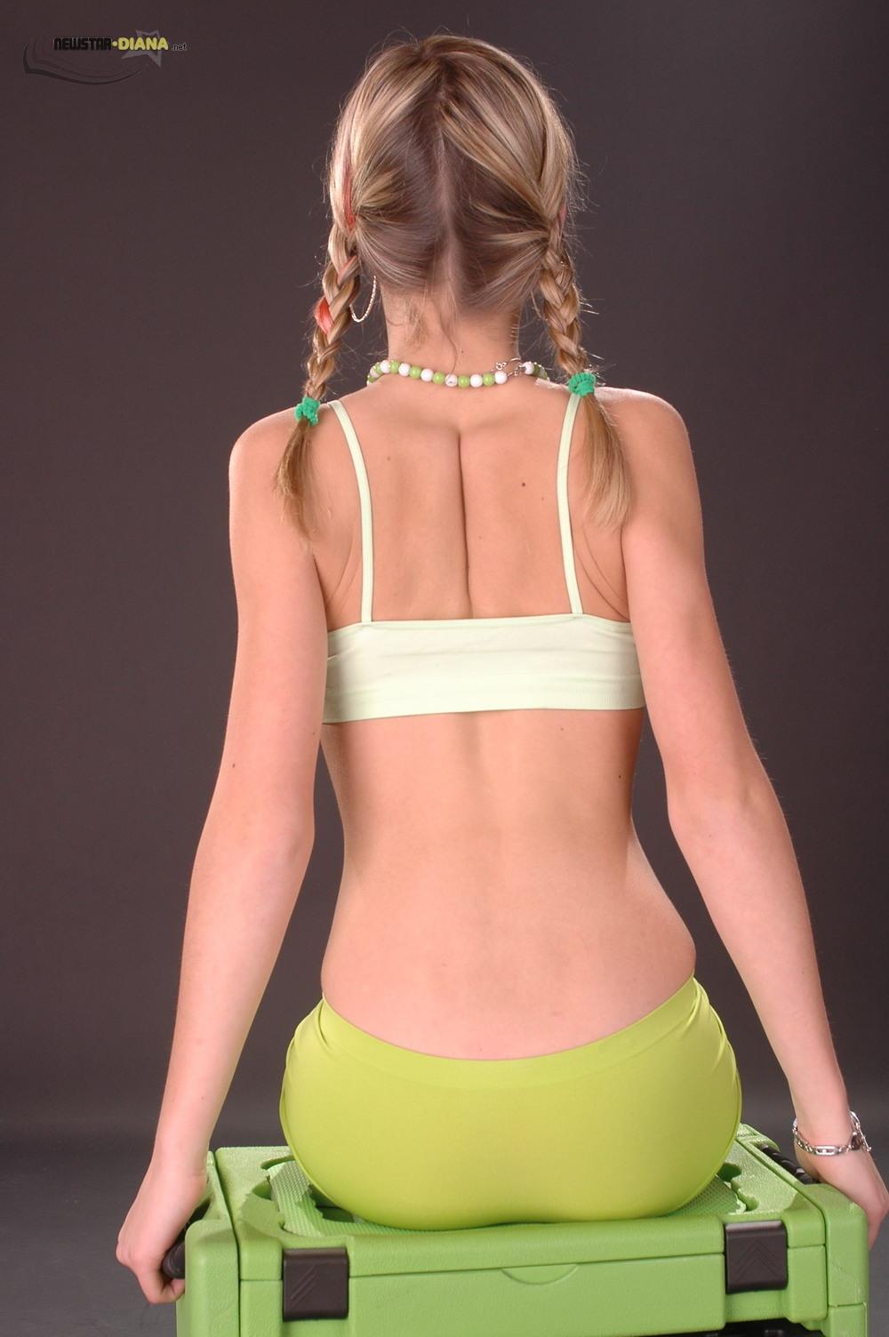 newstar diana green bikini vlad