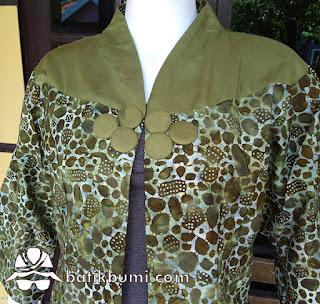 Cardigan Batik Batu Luruh hijau