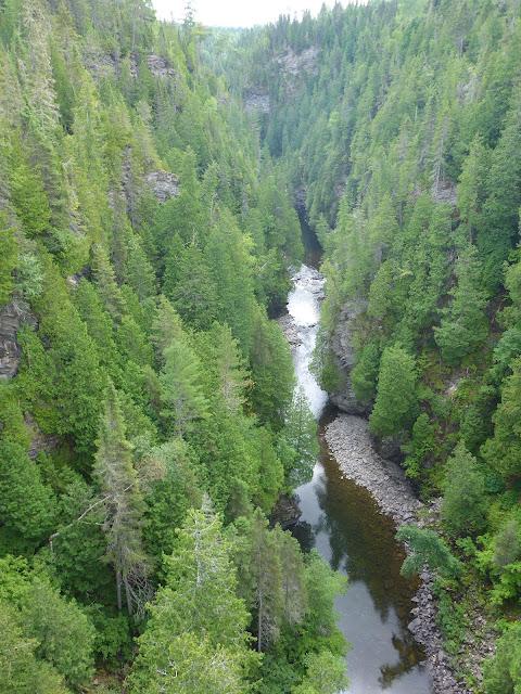 canyon des portes de l'enfer Québec