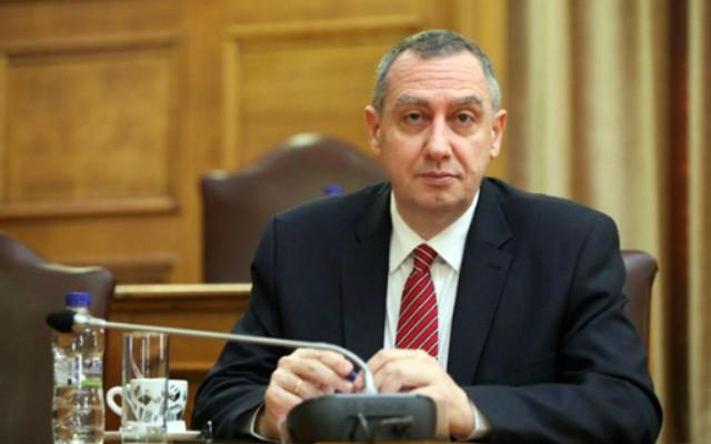 Ευθεία βολή στον πρώην υπουργό Οικονομίας κ. Γ. Αλογοσκούφη έριξε το μεσημέρι της Μ Πέμπτης ο εκπρόσωπος της Ν.Δ. κ. Ι. Μιχελάκης, σχολιάζοντας με δηκτικό τρόπο τα όσα είπε προ ημερών στο «Βήμα της Κυριακής», ο άλλοτε τσάρος και ειδικά για την περίφημη πλέον φράση του… «άστα γι' αργότερα».