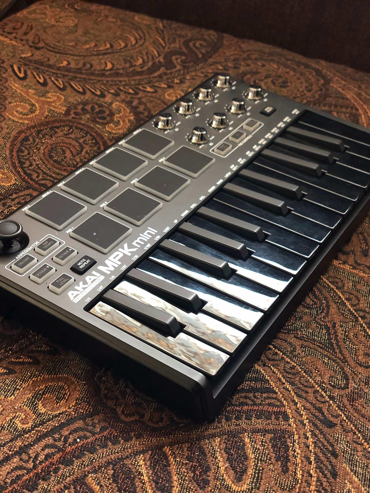 MATRIXSYNTH: Akai MPK Mini MIDI Controller Limited Black Out Edition