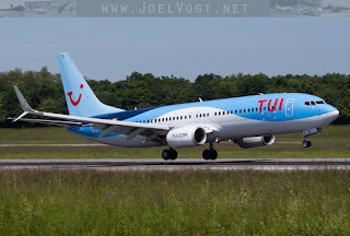 Boeing 737-800 of TUI (X3)