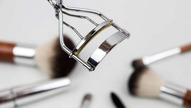 really easy ways to clean make up tools