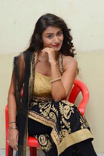 Actress Kiran Chetwani sizzling 025.jpg