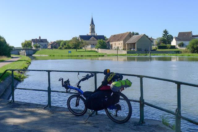 De Paris à Narbonne en vélo, Marseilles-les-Aubigny