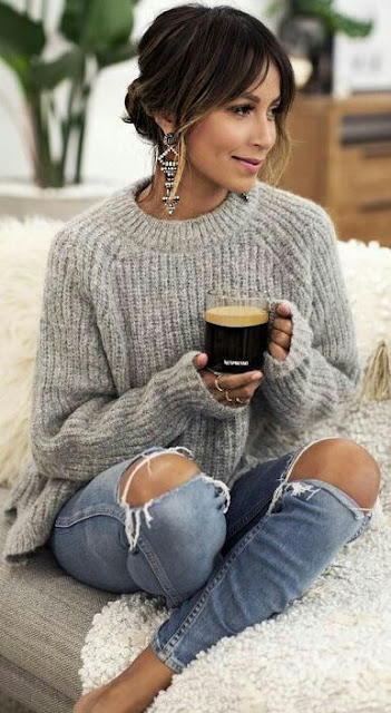 Winter-fall-outfits-knit-sweater-with-denim-jeans