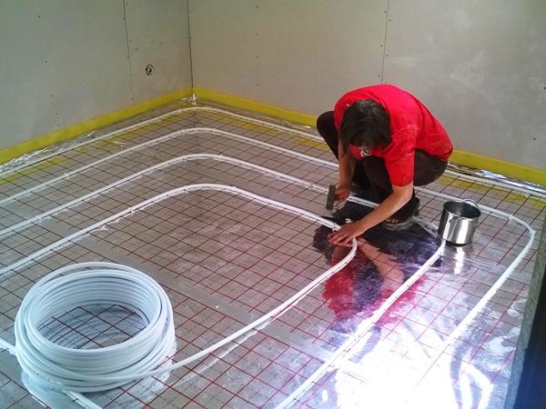 rurki, podłogówka, ogrzewanie podłogowe tece
