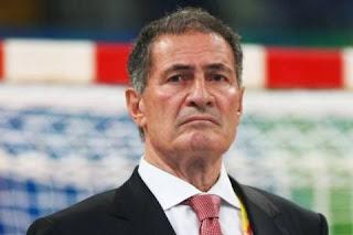 Hassan Moustafa prohibiría el uso de pega en el handball