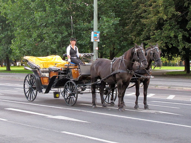 Horse-drawn carriage, Spandauer Straße, Berlin