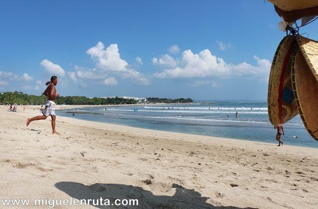 Playa-Kuta-Bali-Indonesia