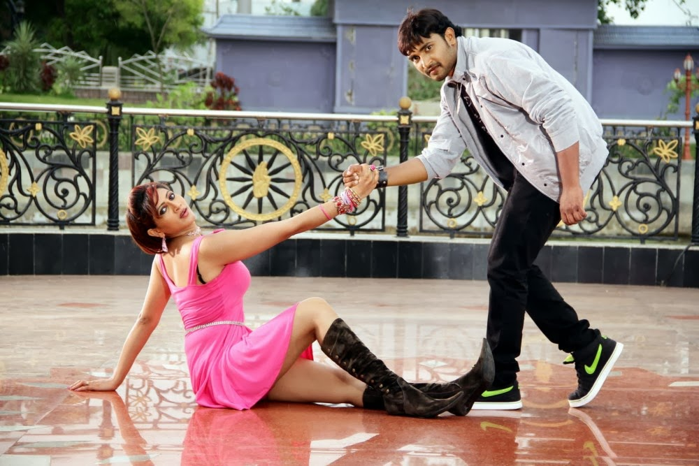 Rishika Singh legs, Rishika Singh South Actress