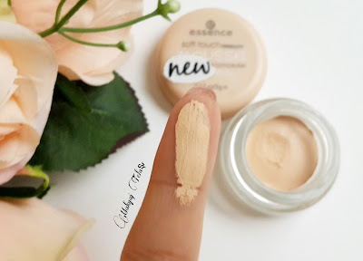 essence soft touch mousse concealer
