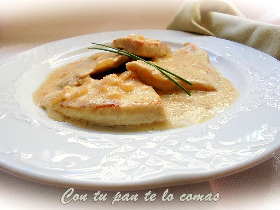 Filetes de pavo con salsa de queso