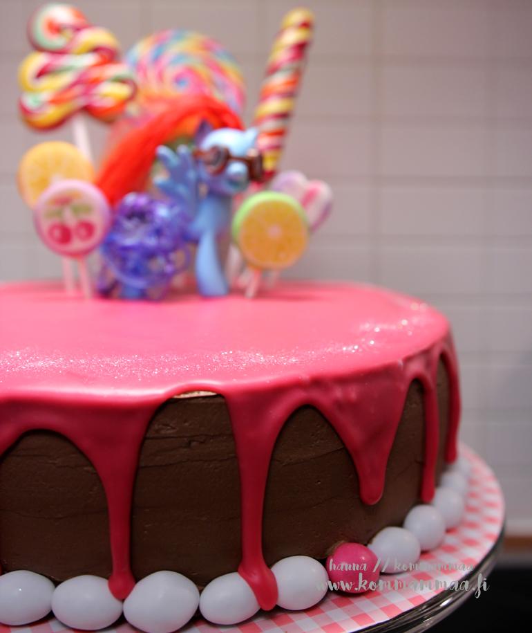 my little pony kakku tikkari suklaakreemi pinkki valkosuklaaganache