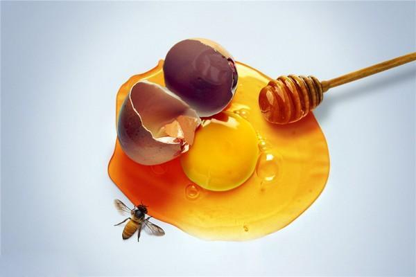 cách trị nám bằng mật ong và trứng gà