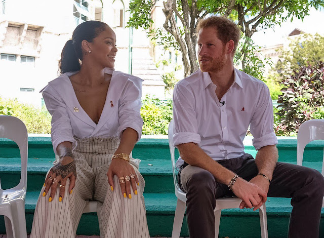 Rihanna' s gist with Prince Harry.