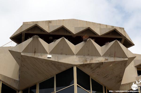 Tarragona (Spain) - Bureaux du port - Port of Tarragona offices  Architecte: Josep Maria Garreta i Cusidó  Construction: 1978