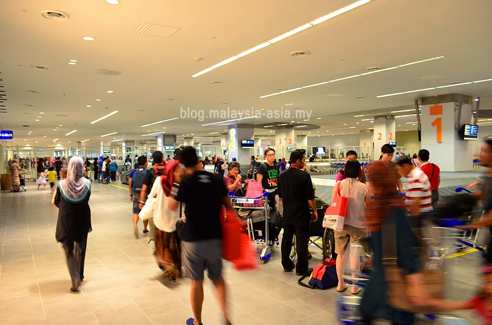 baggage reclaim area at klia2