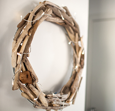 driftwood wreath with Christmas lights