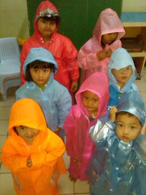 Cara Merawat Jas Hujan - Mantel agar Awet