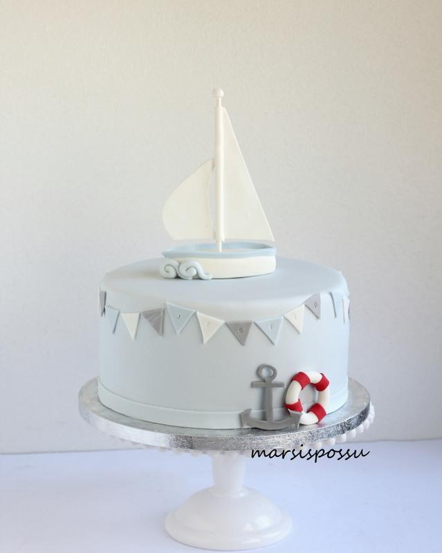 Meriaiheinen kakku ristiäisiin