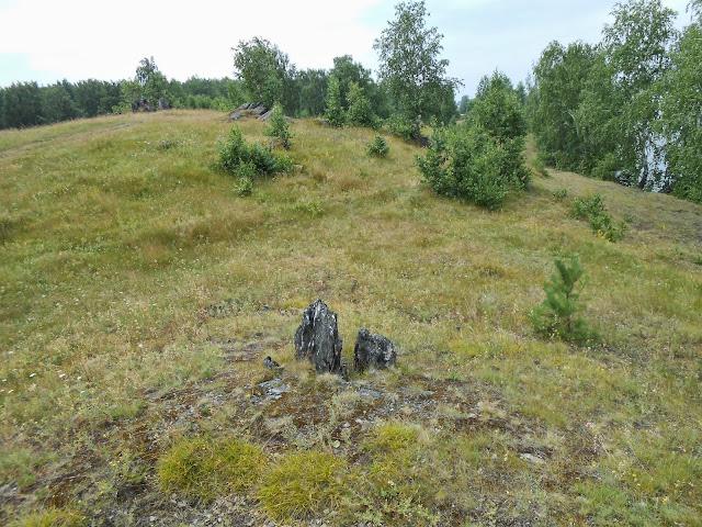 Каменные останцы на берегах озера Большие Касли