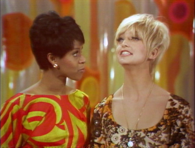 Chelsea Brown and Goldie Hawn on Rowan & Martin's Laugh-In