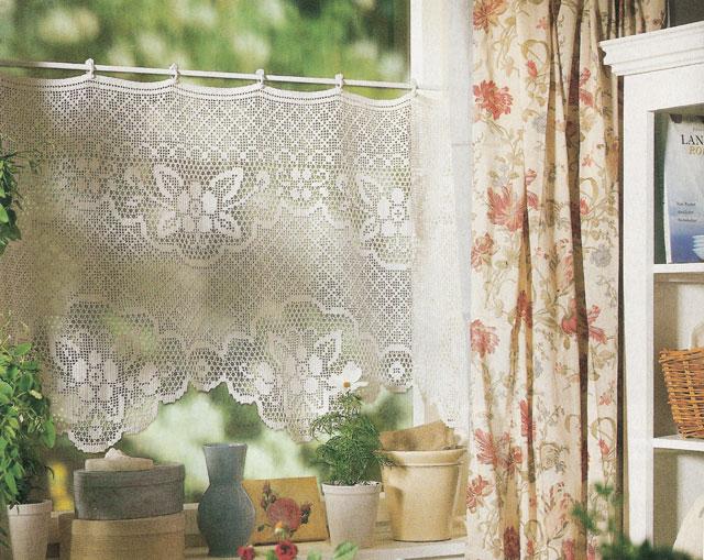 Hobby lavori femminili ricamo uncinetto maglia tende - Tende all uncinetto per finestre ...