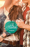 https://the-bookwonderland.blogspot.de/2017/08/rezension-elle-kennedy-the-mistake.html