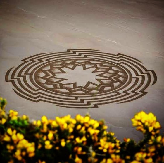 03-Jon-Foreman-Land-art-Geometric-Drawing-in-the-Sand-www-designstack-co