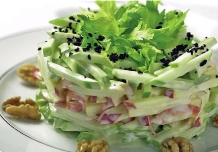 How to Make Woldorf Salad Stack with Gorgonzala Ranch Dressing