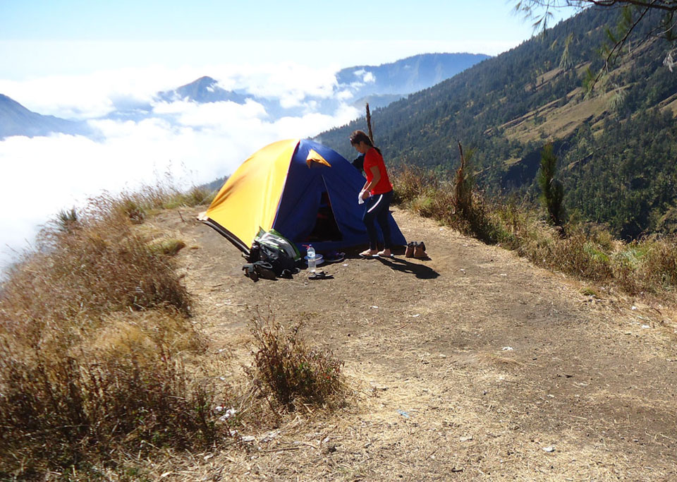 Pos 2 Plawangan Sembalun 2639 meter Gunung Rinjani