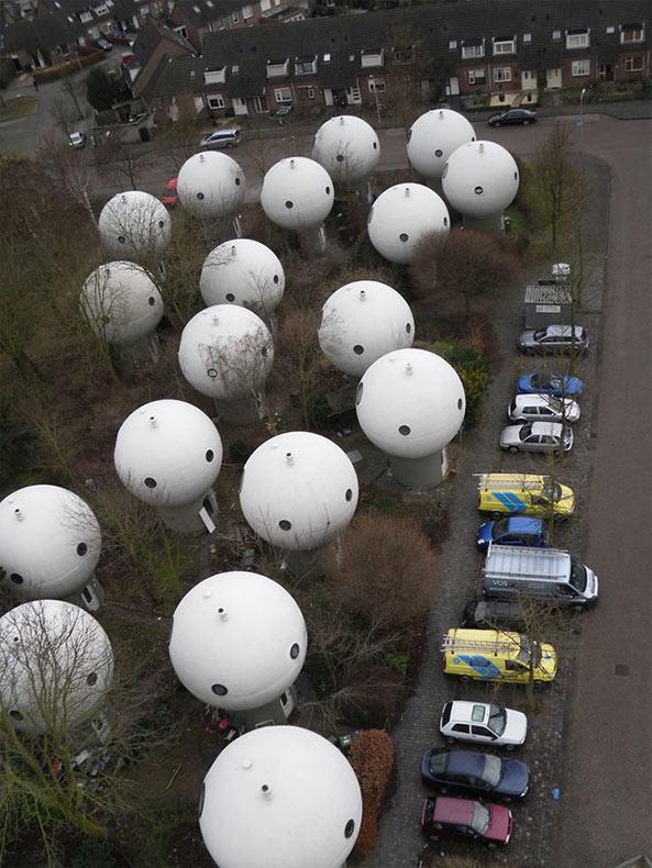 Estas extrañas casas burbujas son en realidad verdaderos hogares en la ciudad holandesa de Hertogenbosch
