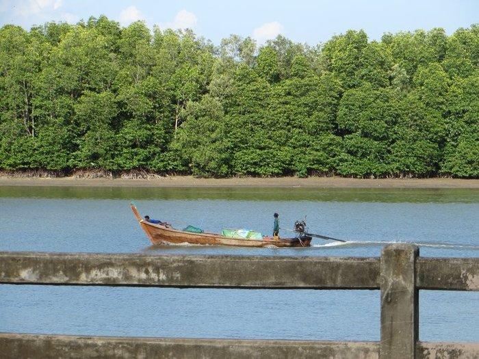 Лодка с мотором от машины