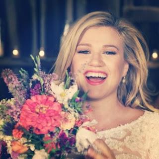 Biodata Kelly Clarkson