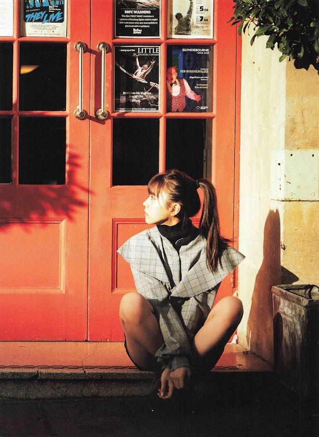 2019.03.13 小林由依1st写真集「感情の構図」 - Girlsdelta