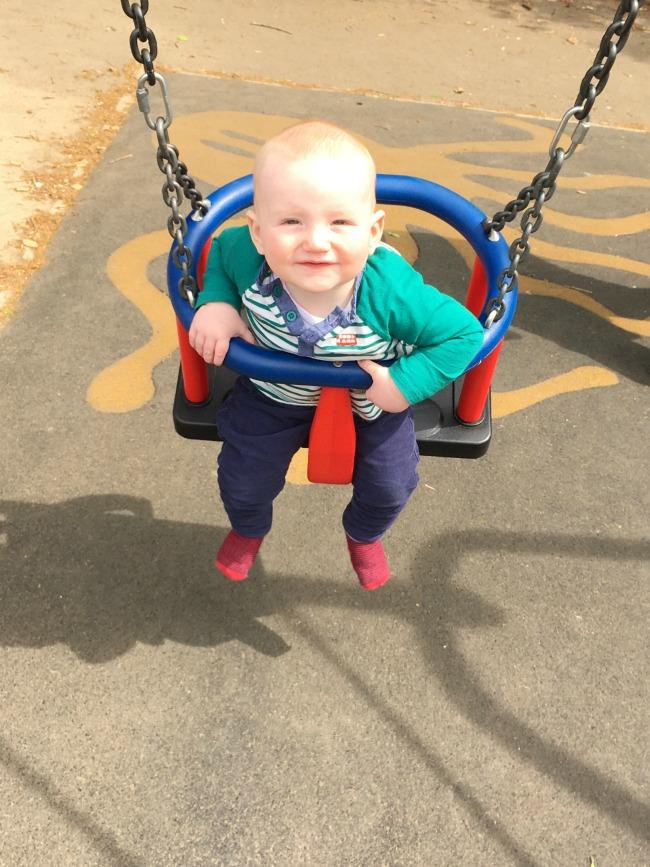 baby-sat-in-swing