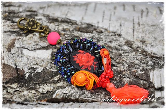 Czerń - pomarańcz- czerwień i granatowy z tasiemkami