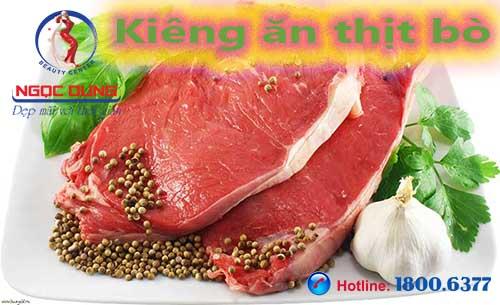 Phun môi cần kiêng ăn thịt bò