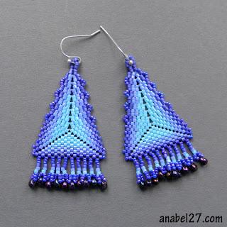 серьги-треугольники из бисера - мозаичное плетение
