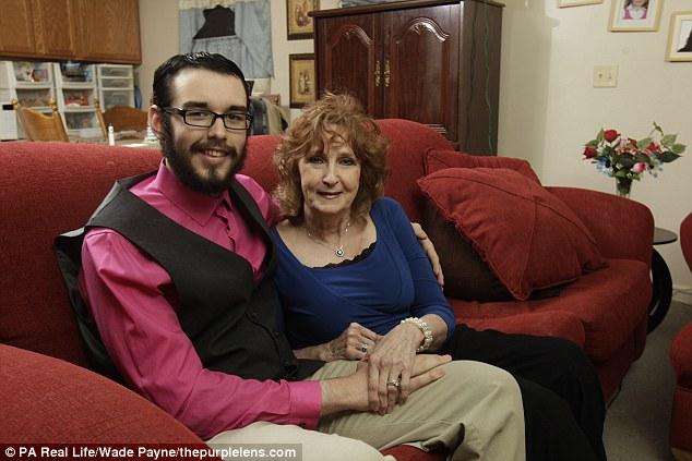 Almeda 71 tahun menikah dengan Gary 17 tahun