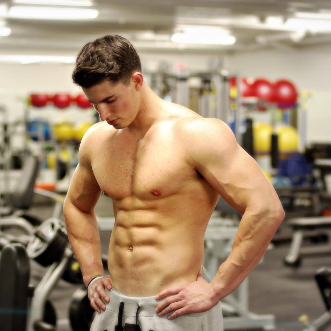 amazing-abs-boy-gym